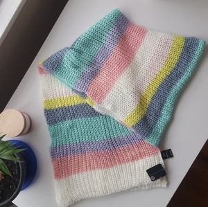 Accessories - Chunky knit bnwt stripe scarf white pink blue
